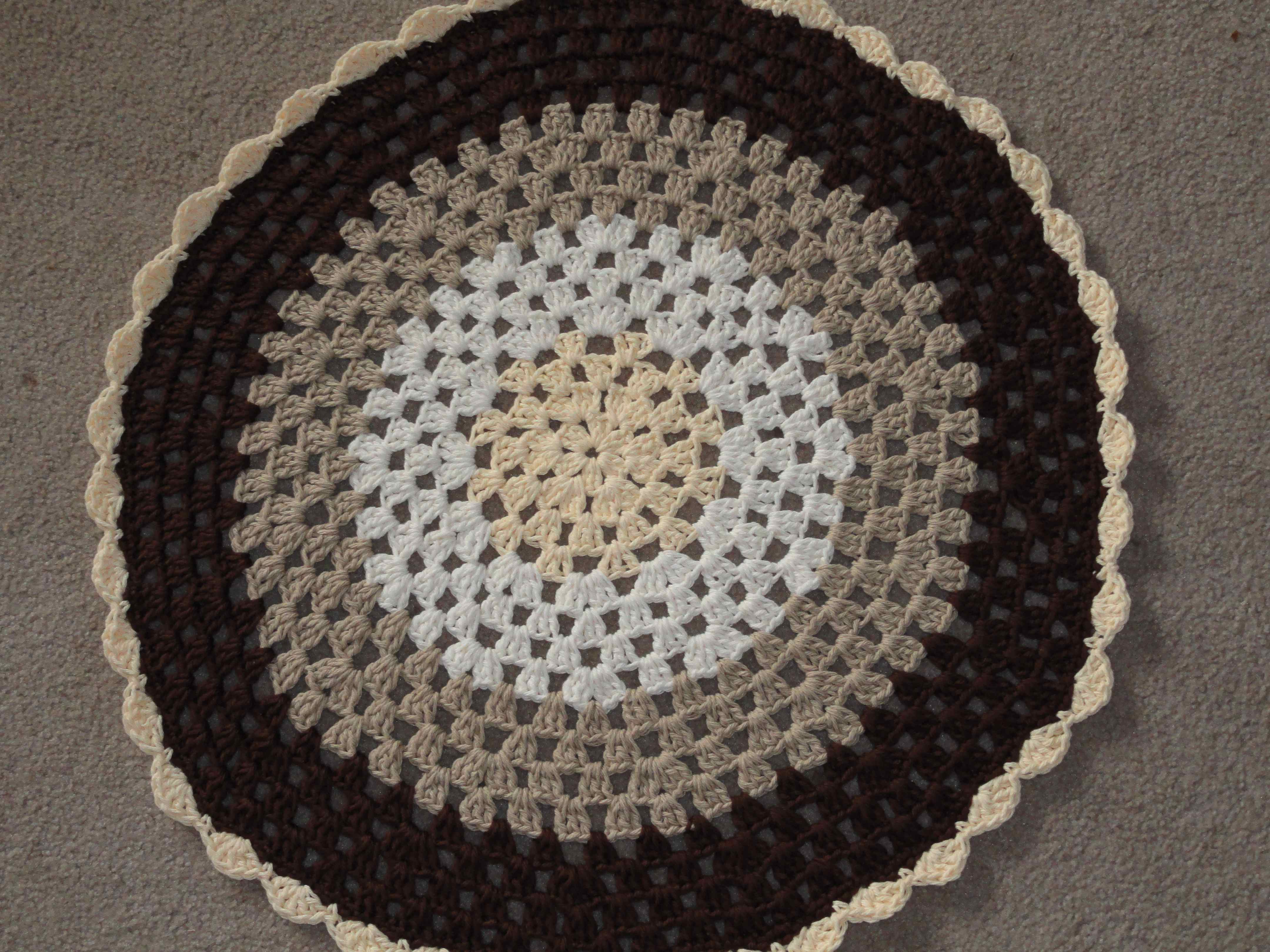 Crocheting In A Circle Pattern : As soon as I can get it completed, I will share the matching tissue ...