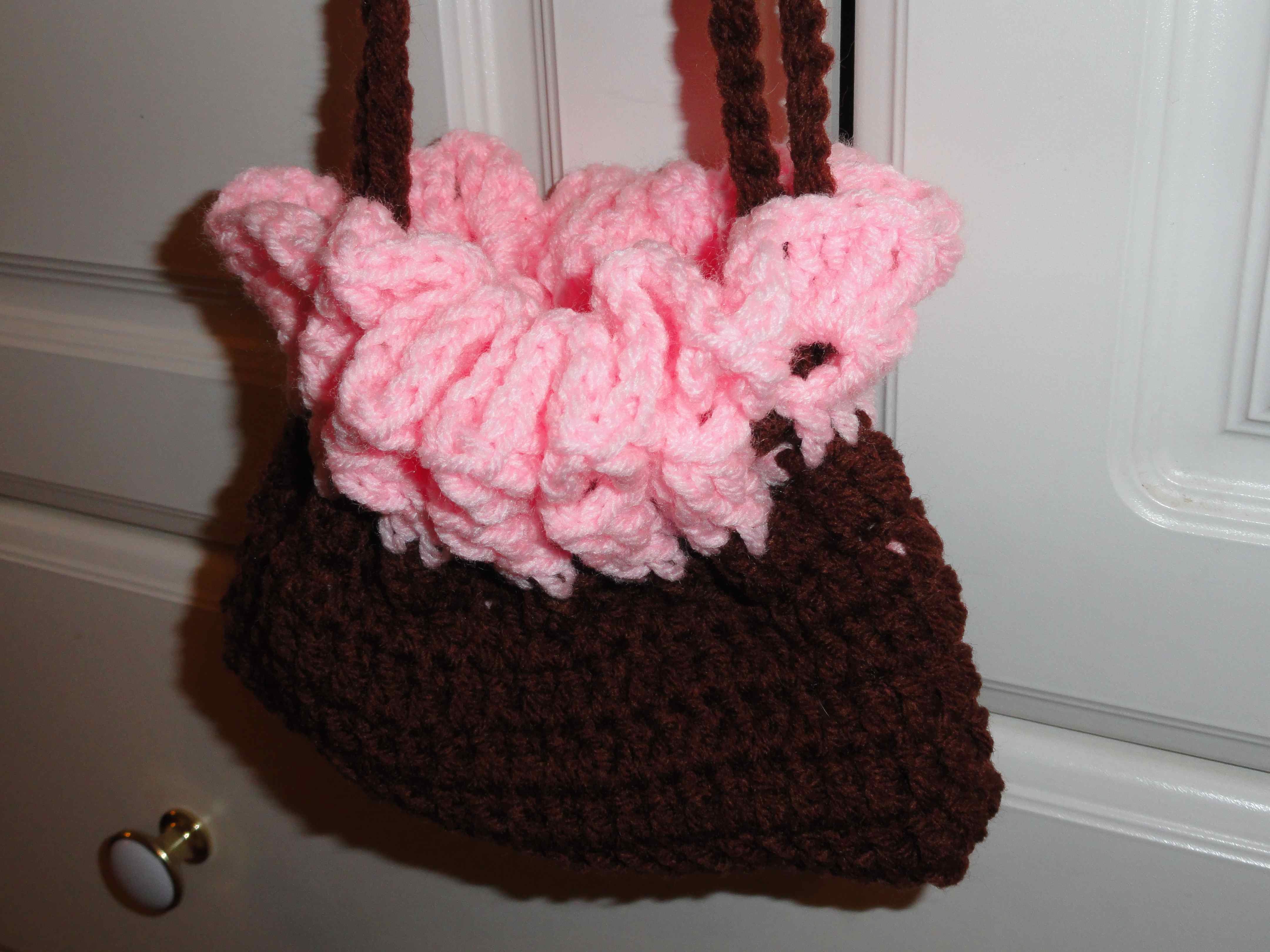 Rilakkuma Amigurumi Pattern English : crochet:: doll bed/purse 2 yarnchick40