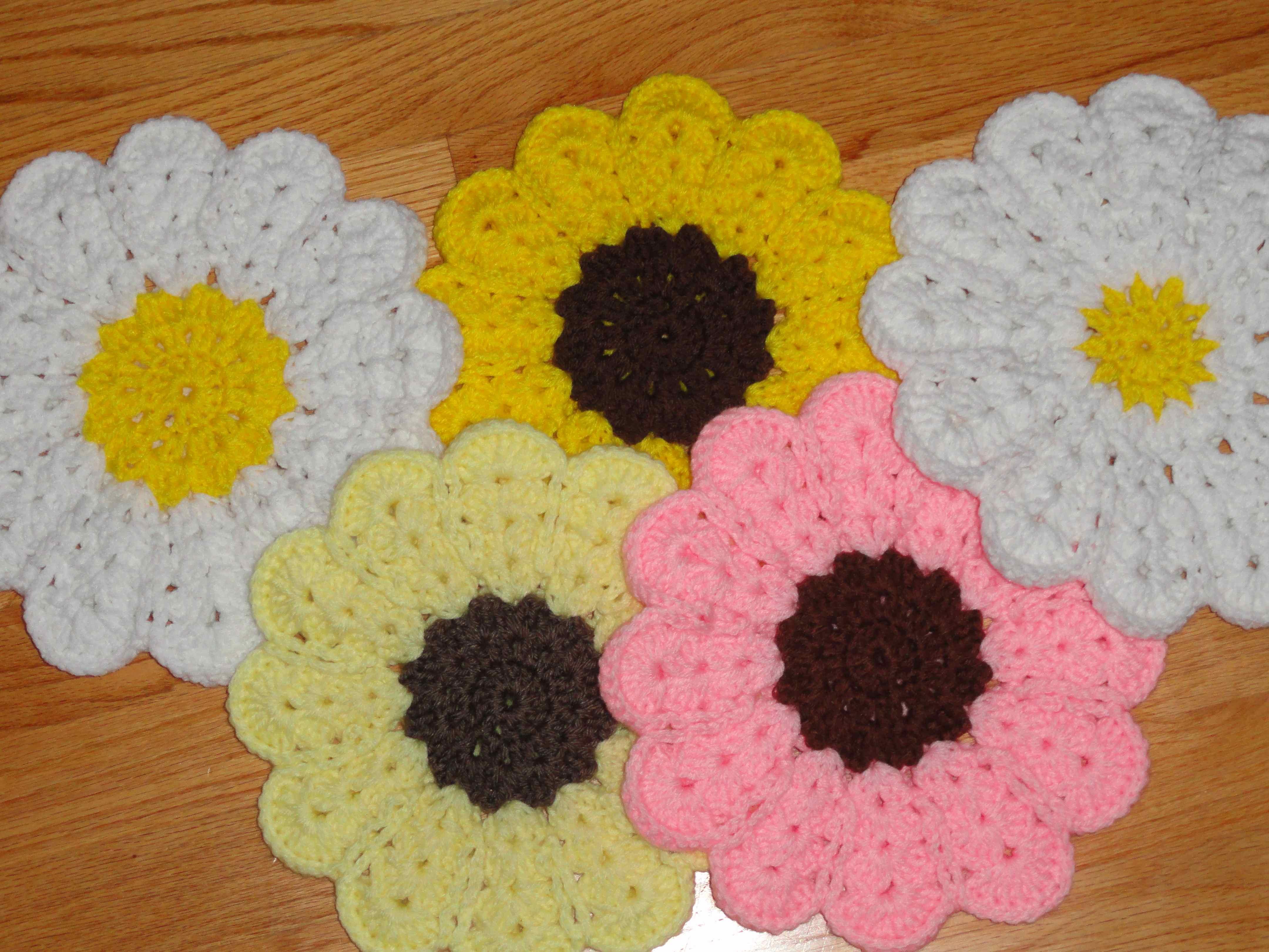Crochet Flower Power Trivet Yarnchick