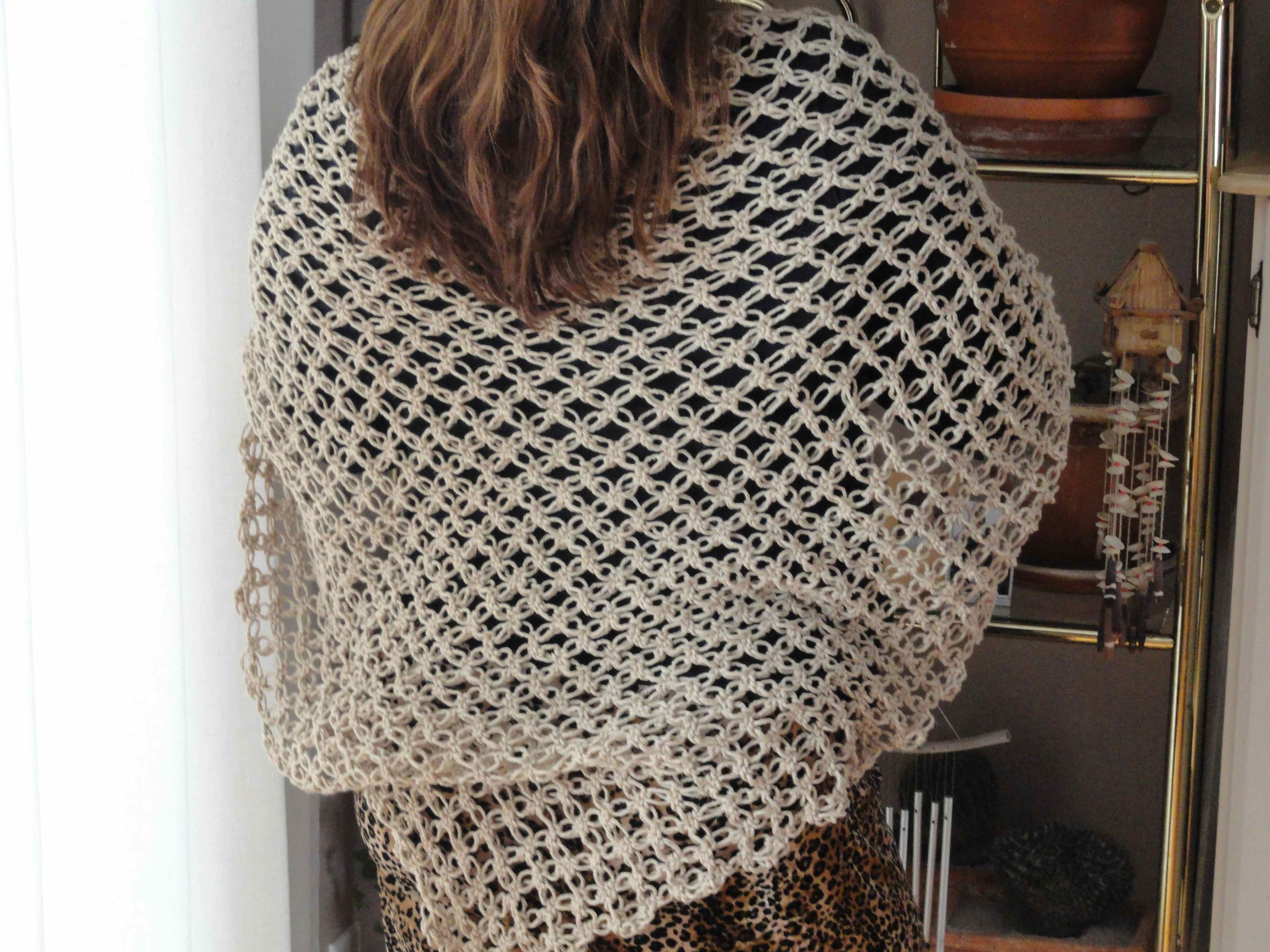 Crochet Stitches Love Knot : crochet:: lover?s knot shawl 1.2 yarnchick40