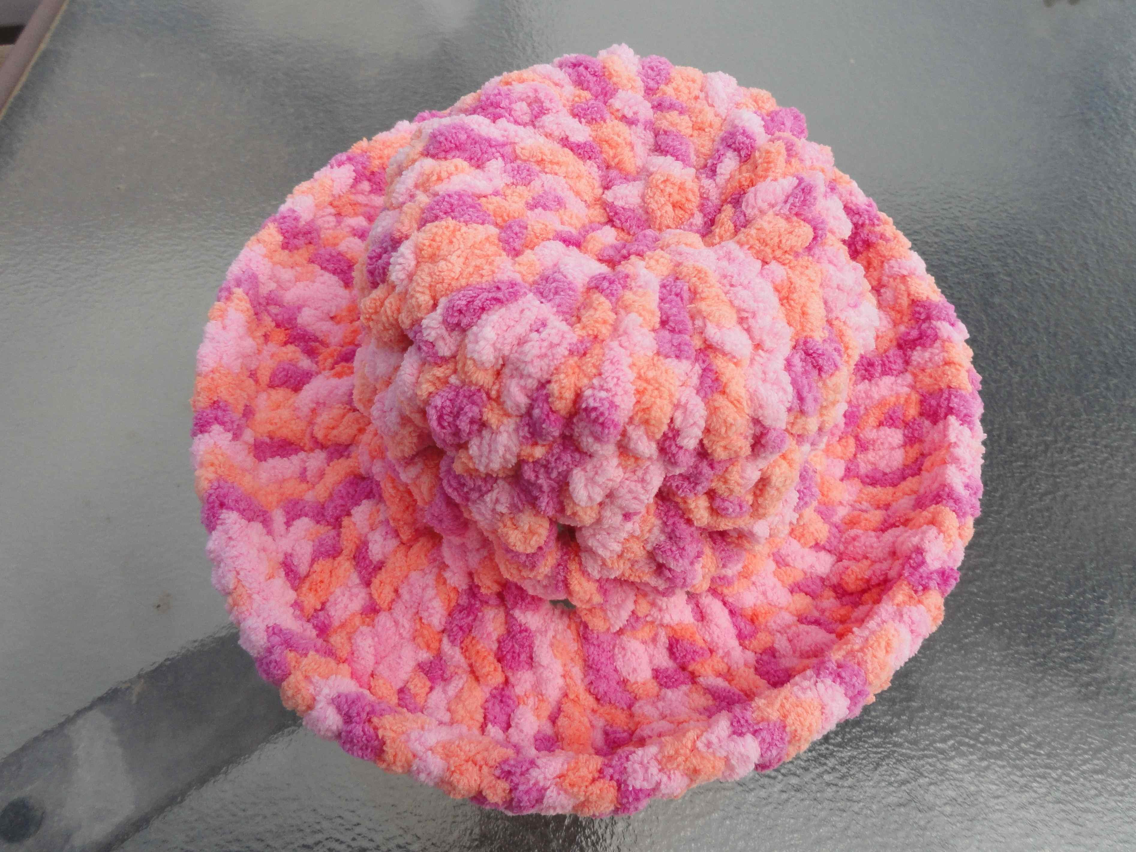 crochet:: chenille cloche yarnchick40