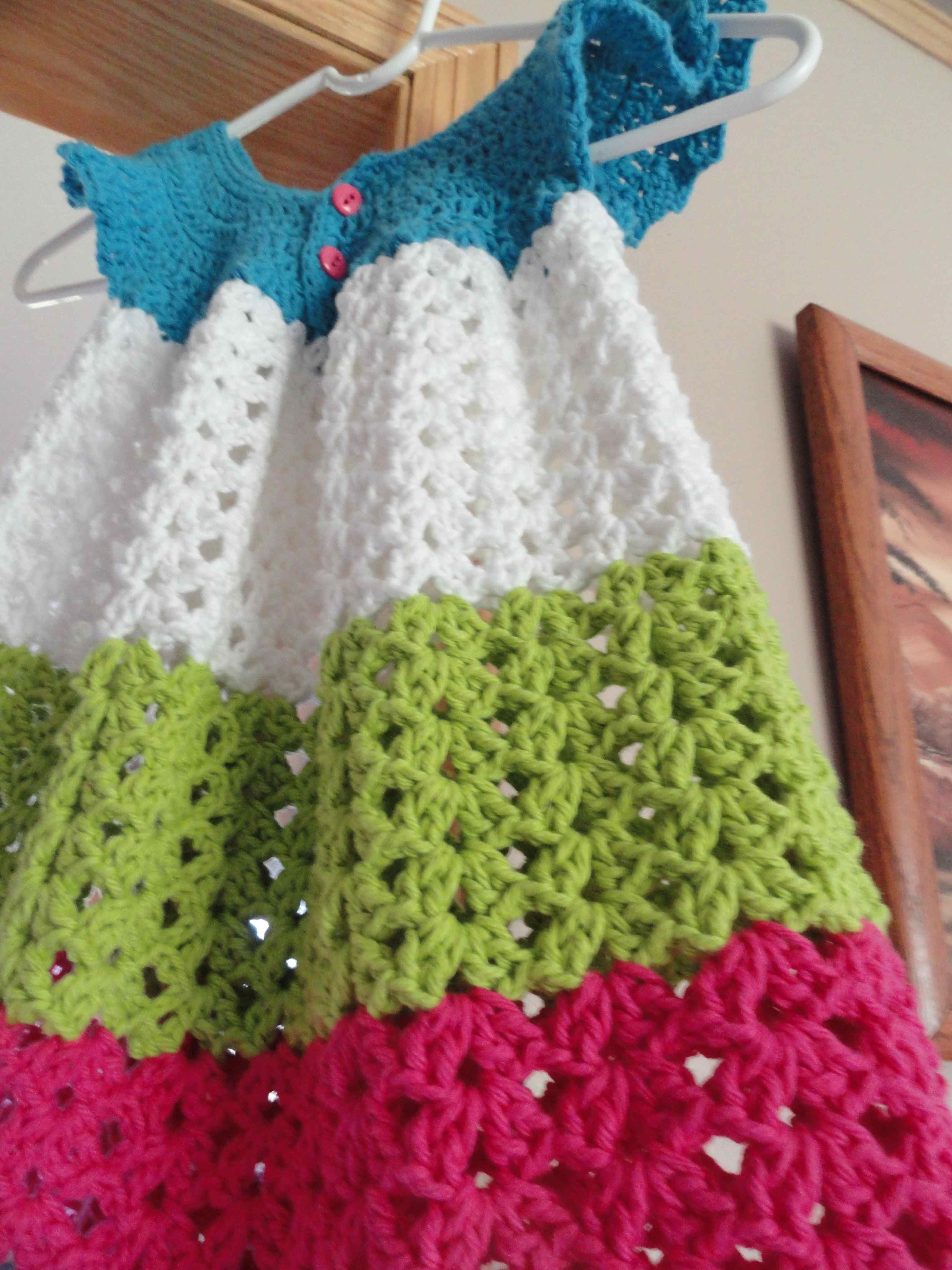 crochet:: toddler pinafore yarnchick40