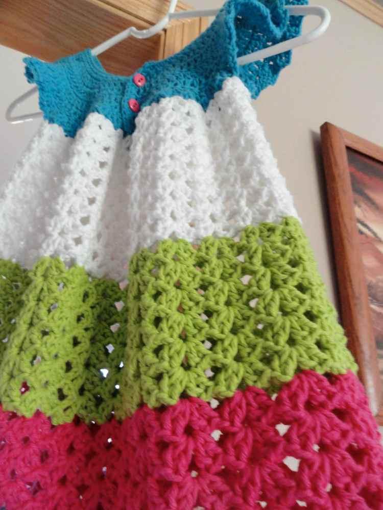 crochet:: toddler pinafore (1/4)