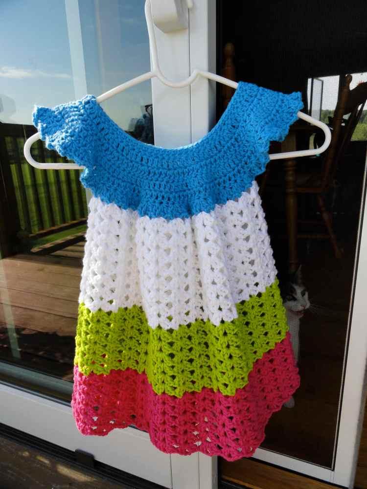 crochet:: toddler pinafore (2/4)
