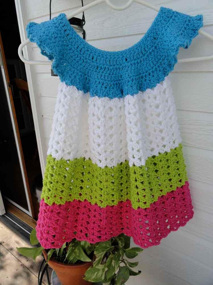 crochet:: toddler pinafore (4/4)